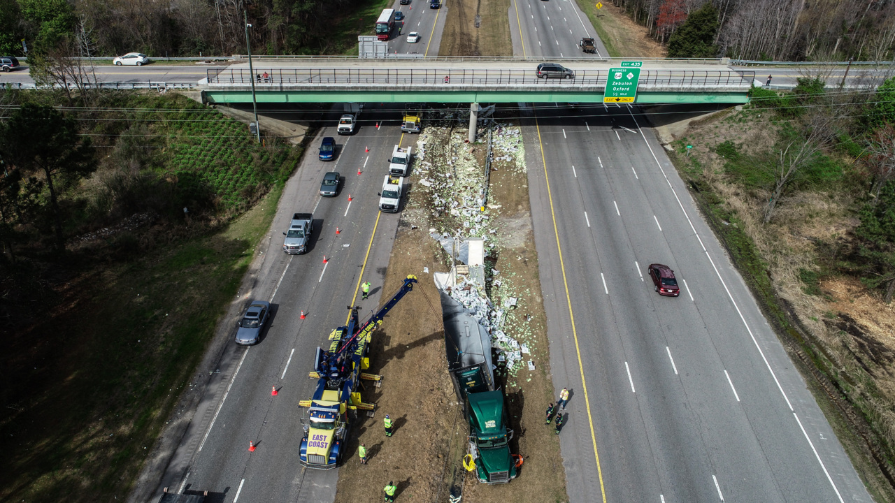Zebulon crash: US 64, 264 tractor trailer spills cabbage | Raleigh