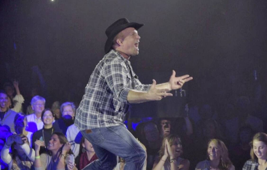 'It's going to be a FULL HOUSE!!!!' Garth Brooks thanks Charlotte for stadium sellout