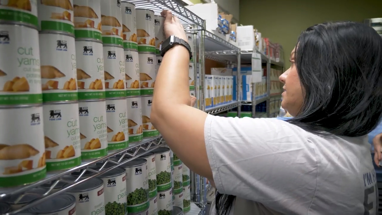 Rex Hospital food pantry lets patients go home with