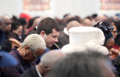 'I tremble for my country,' Buttigieg says while meeting Rock Hill groups