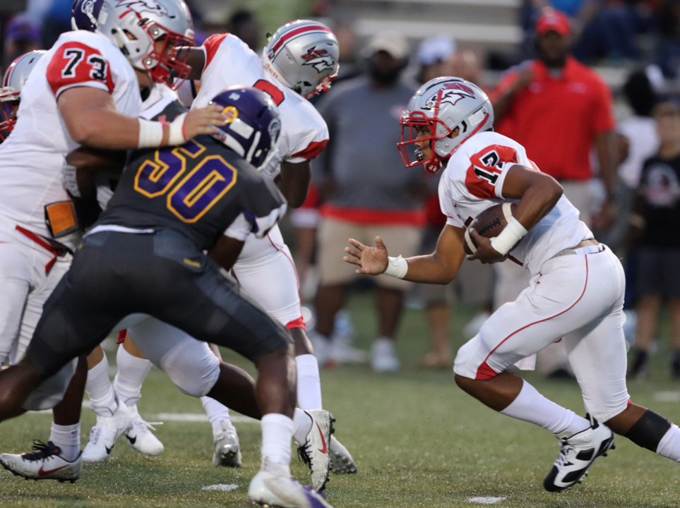 In absence of big play, defensive line propels South Pointe over rival Northwestern, 17-14