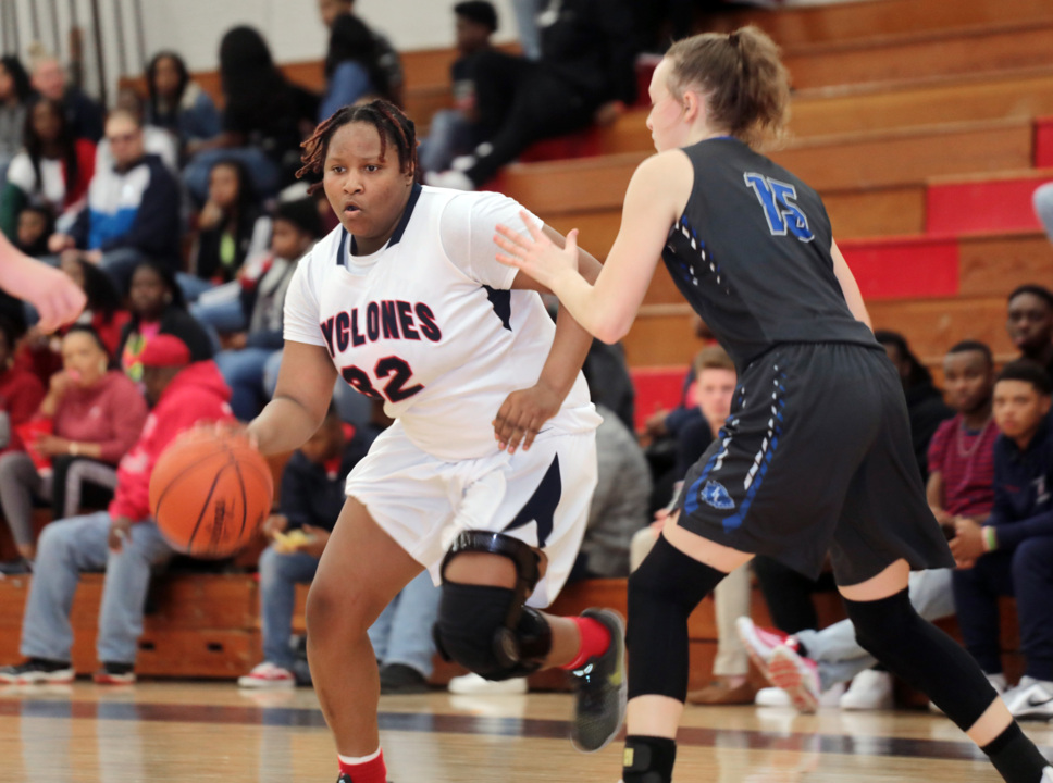 10 high school basketball players in the Tri-County area named to All-State teams