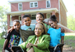 Chester native, mother of famed actresses brings kids back to historic school