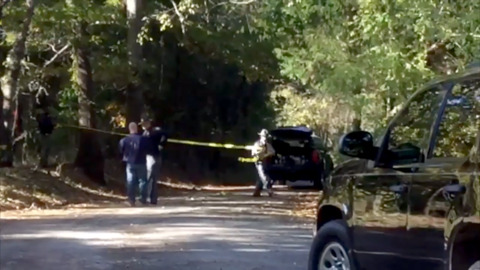 Man's body found in Chester County near I-77, sheriff says; Road blocked in probe
