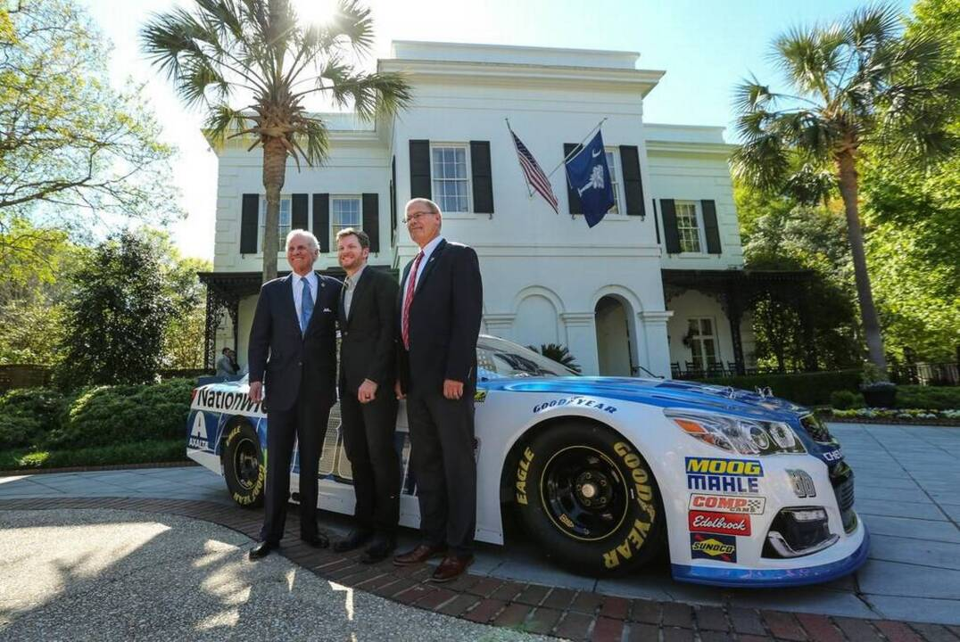 Nascar Legend Dale Earnhardt S 100 Ft Custom Yacht For Sale Charlotte Observer Teresa earnhardt on wn network delivers the latest videos and editable pages for news & events, including entertainment, music, sports, science and more, sign up and share your playlists. nascar legend dale earnhardt s 100 ft