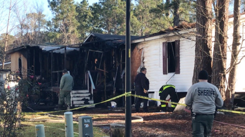 2 killed in early morning Bluffton mobile home fire