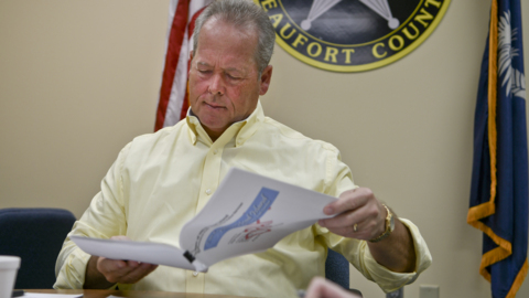 Hilton Head mayor to yank Sheriff's Office funds, calling double taxing 'offensive'