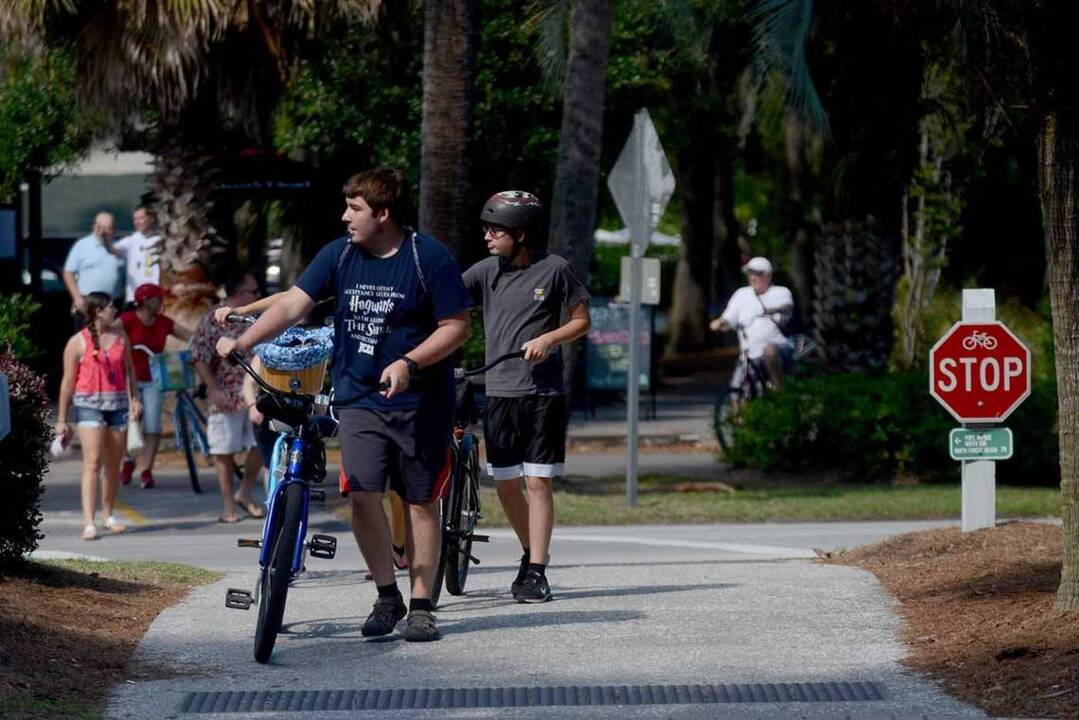 Hilton Head bicyclist hit, 'seriously injured' on south end Monday evening