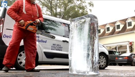 Time-lapse: Watch as a chef's chainsaw turns a 300 lb block of ice into a work of art