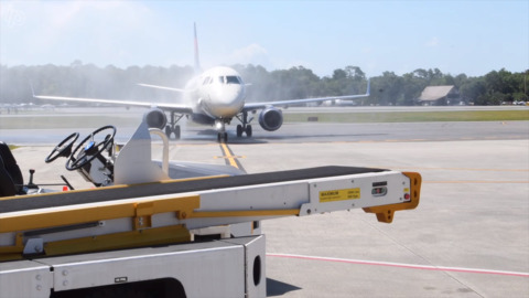 Drought greets Delta, Hilton Head's newest airline, with diluted water salute