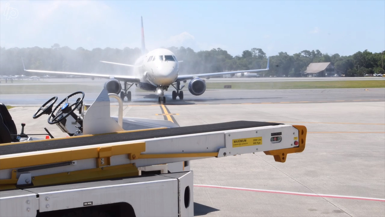 Water cannon salute or a mist? Delta touches down on Hilton Head to drought conditions