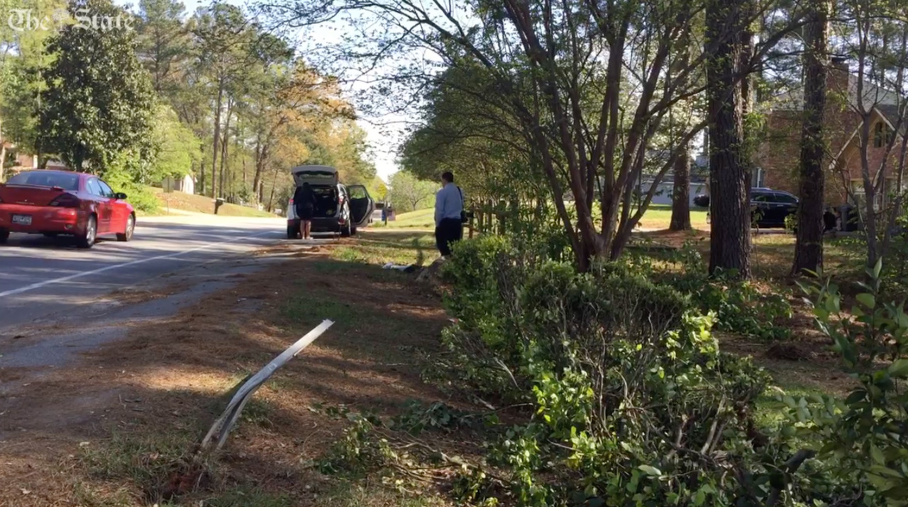 Three teens dead after crashing stolen car into tree during Irmo