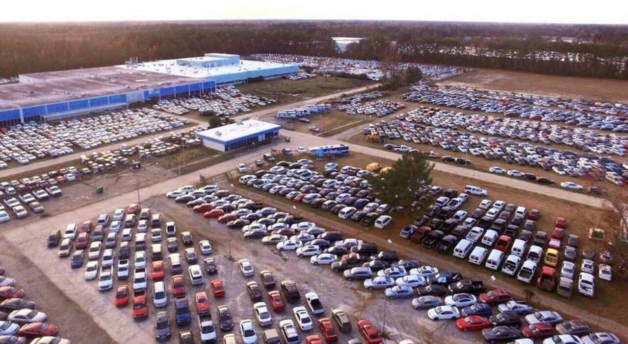 Copart com selling 5,000 cars damaged by Hurricane Matthew in