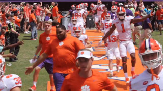 Watch Clemson football players dance and fans cheer during Spring Game