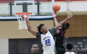Watch James Wiseman dunk during the Peach Jam at the Riverview Park Activities Center in North Augusta.