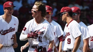 See the grand slam that propelled the Gamecocks to victory over Razorbacks at Super Regional