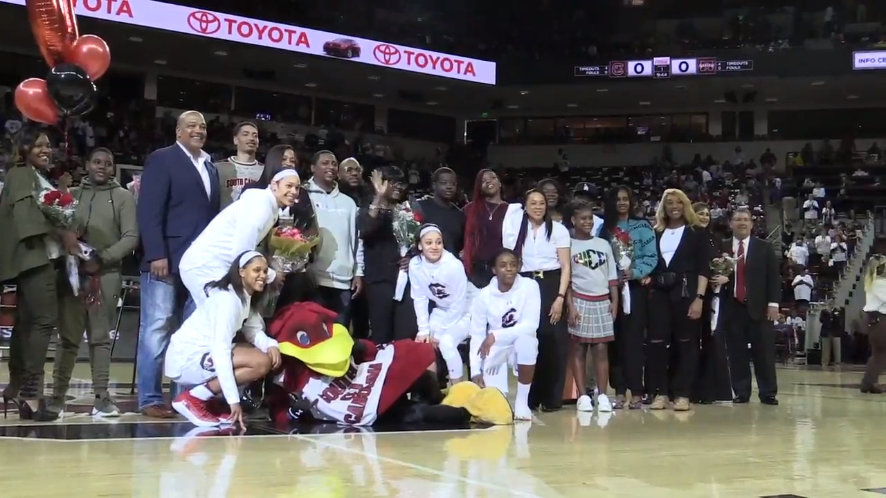 Seniors Bianca Cuevas Moore Alexis Jennings And Doniyah Cliney Play Last In Colonial Life Arena The State