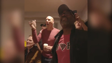 Hootie & the Blowfish celebrate South Carolina Gamecocks win before London show