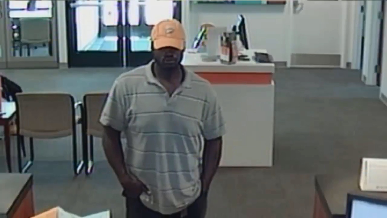 Video of attempted robbery at PNC Bank in Belleville, IL | Tacoma