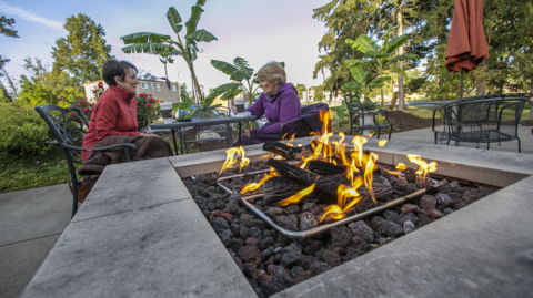 As fall arrives in southwest IL, restaurants finding ways to keep outdoor diners warm