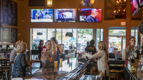 Battle lines drawn as COVID threatens to stop indoor dining again in southwest IL