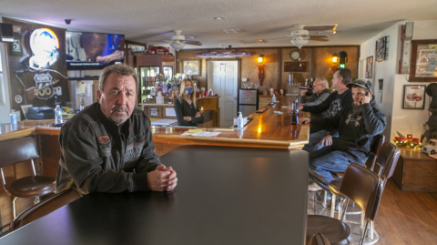 St. Clair County Illinois bar owner receives fines, liquor license suspension as he defies restrictions and remains open