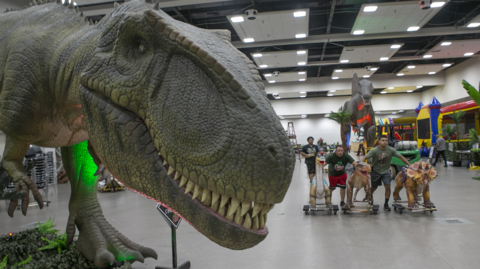 Life-size,animatronic dinosaurs are visiting southwest IL. Here's how you can see them