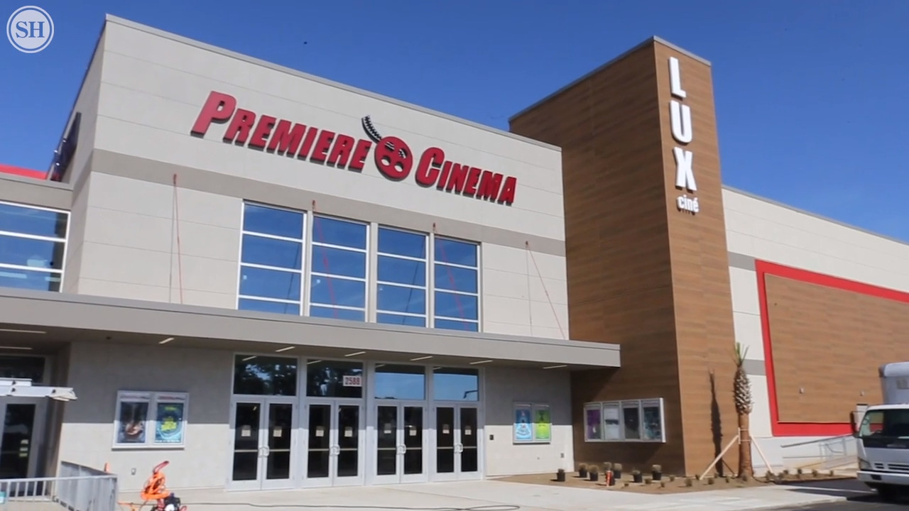 Shopping In Biloxi Ms >> Premiere Movie Theater Opening At Edgewater Mall In Biloxi Ms