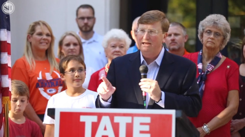 Tate Reeves comes to Gulfport to lay out plan for increasing teacher pay