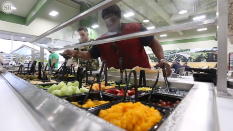 Want to eat healthy? Salad Station in D'Iberville is ready to serve you