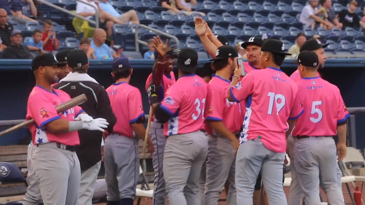 Shuckers win Game 1 over the Blue Wahoos on a walk-off blast