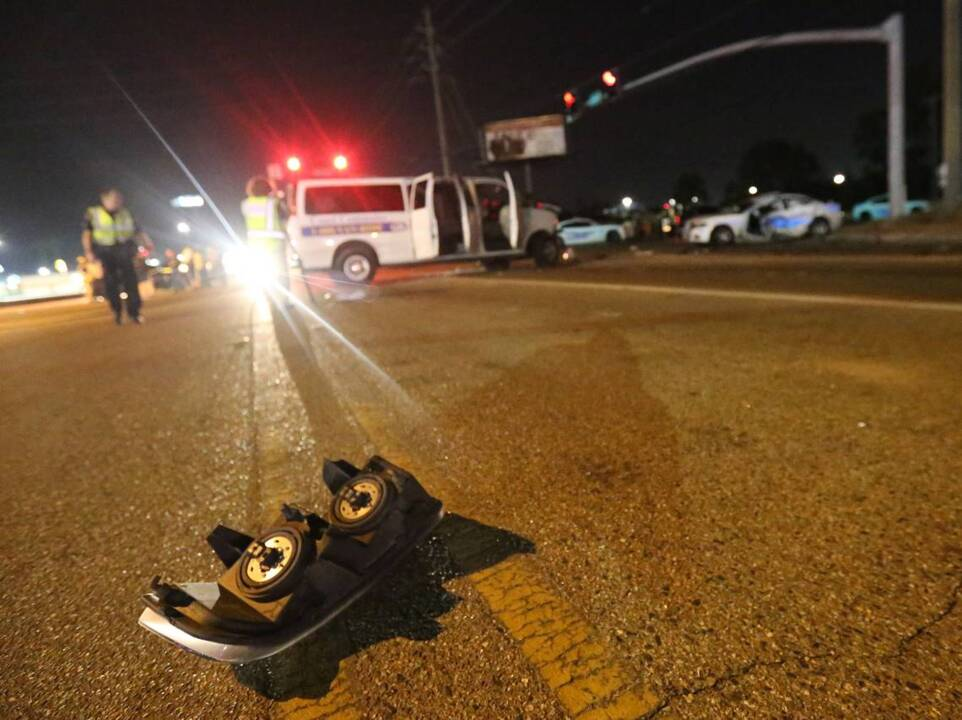 Gulfport officer seriously injured in crash, police say