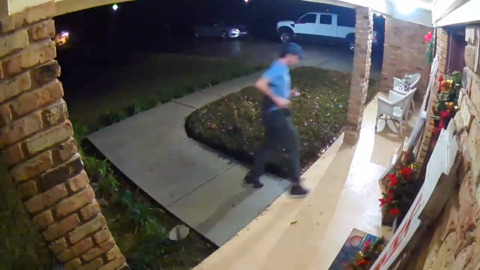 Porch bandit steals packages from Gautier house decorated for Christmas, surveillance shows