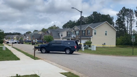 Centerville police find man, woman dead in home after standoff