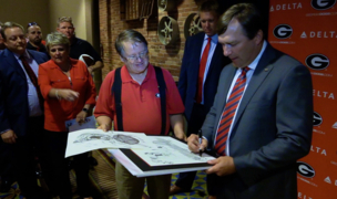 Top Dawgs visit Columbus to meet fans, talk football and hoops