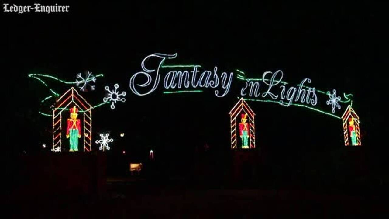 Callaway Gardens Christmas Lights.Fantasy In Lights Gets You Into Holiday Spirit At Callaway