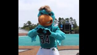 "CCU's mascot gets down to Drake's ""In My Feelings"""