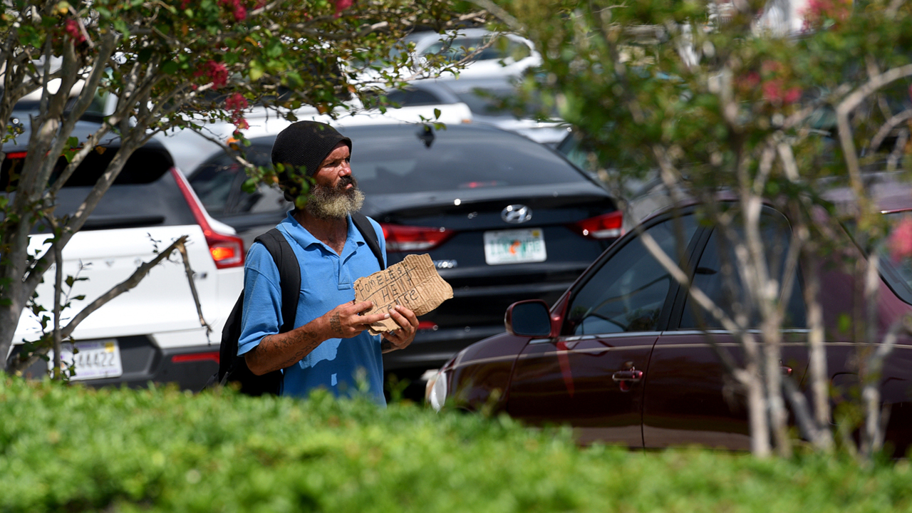 Manatee officials OK new panhandling rules. Drivers aren't allowed to donate anymore