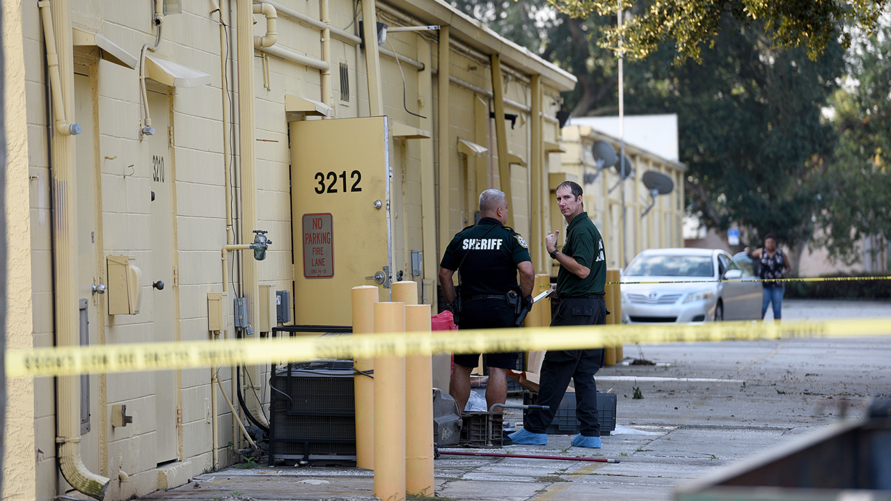 Shooter in Bradenton smoke shop killing charged with murder, cops say