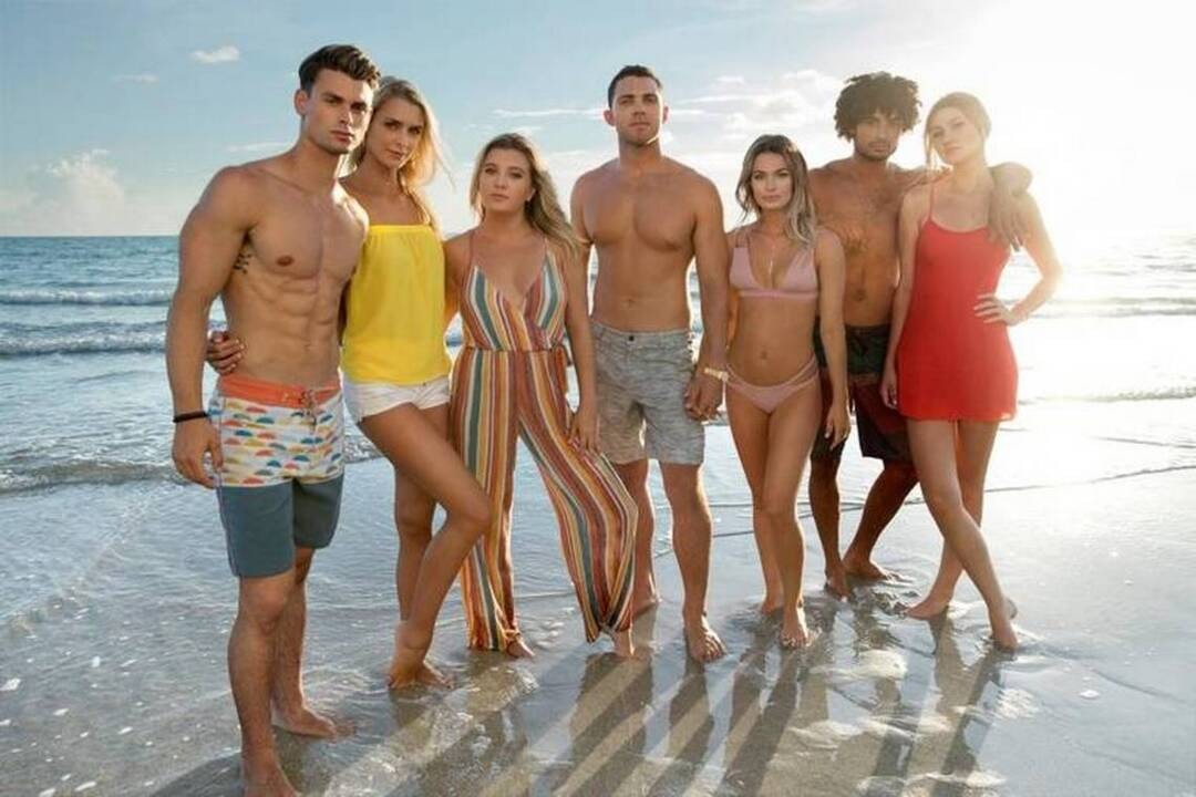 Cast of 'Siesta Key' gets set to show off their town to the world