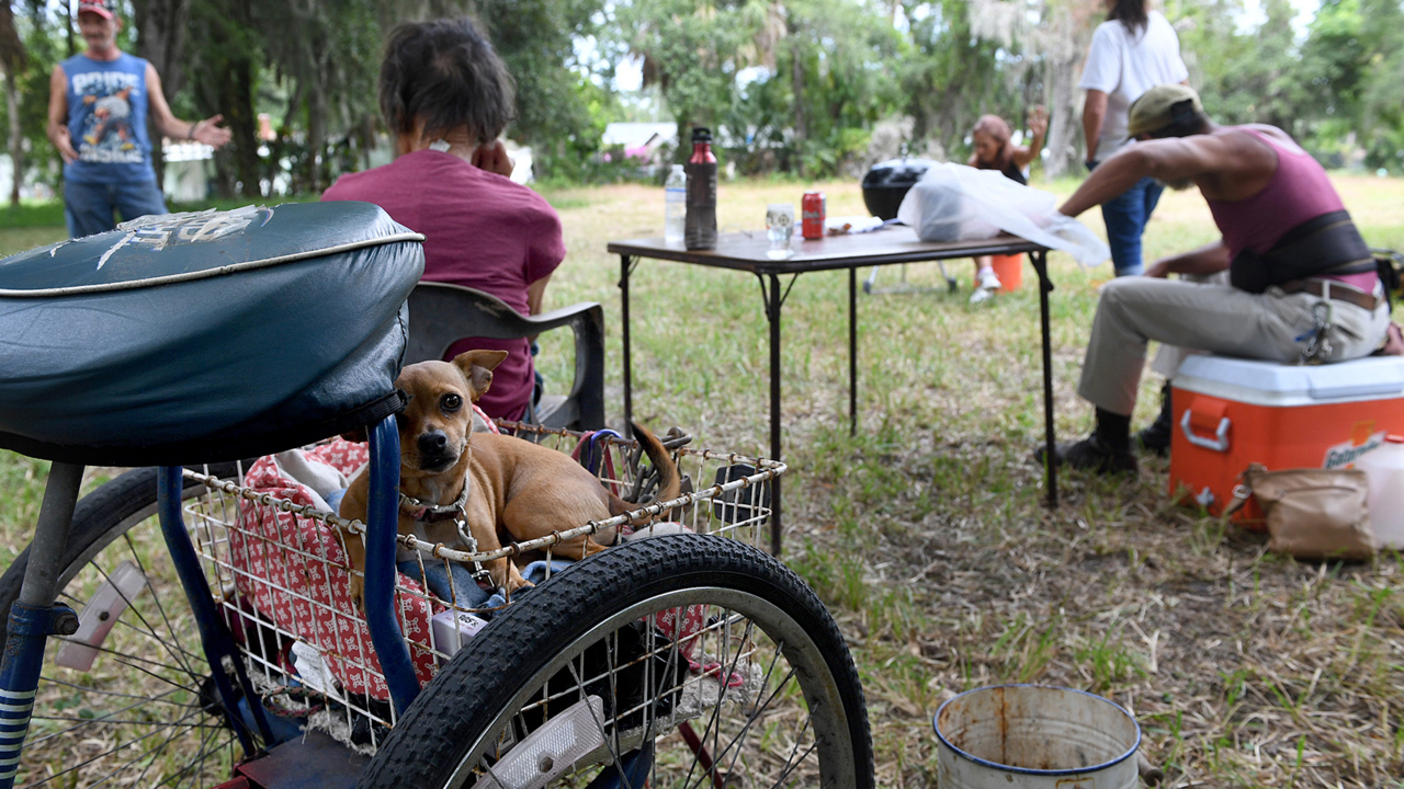 Closure of Bradenton trailer park leaves some homeless