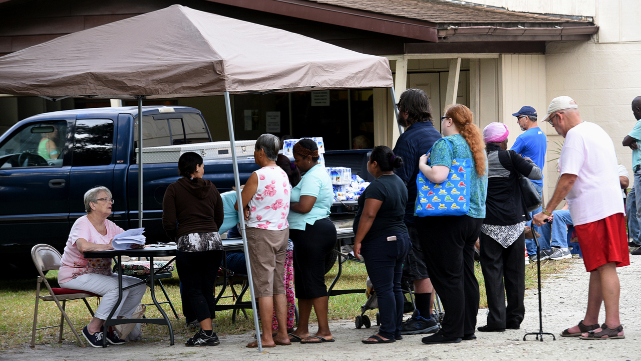 Tampa food bank now supplies Manatee's needy. That's a problem for local pantries