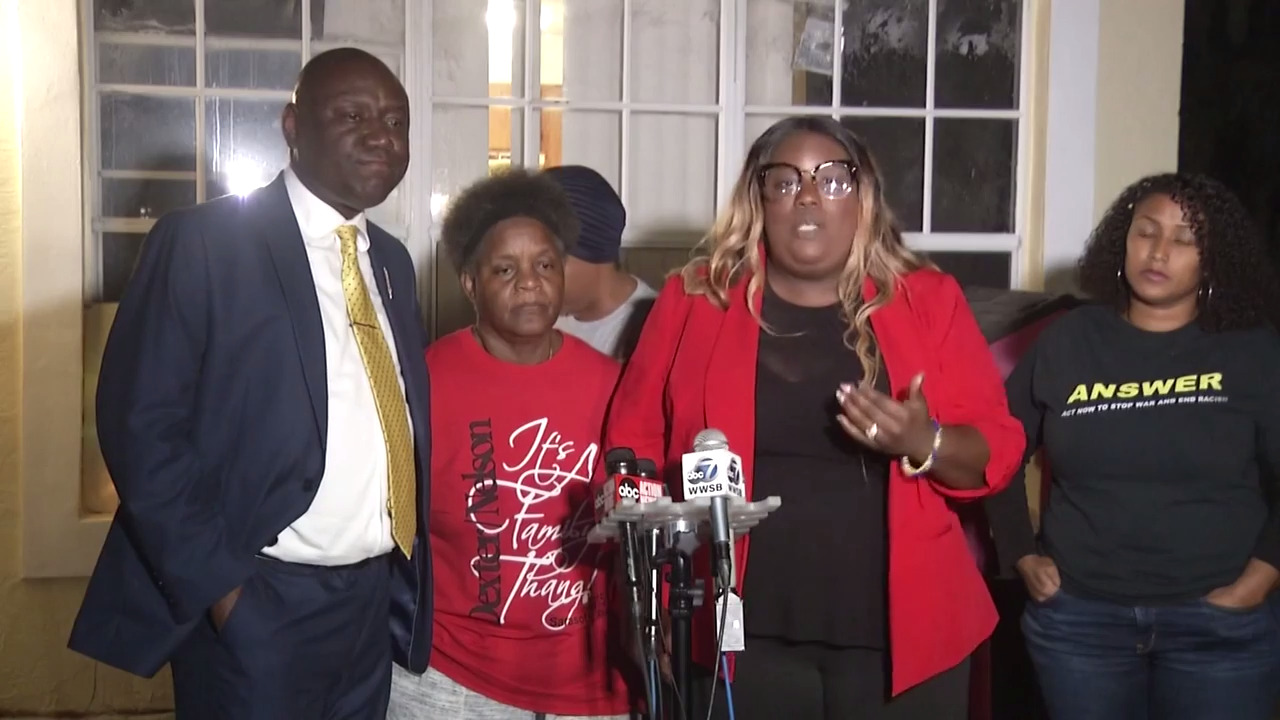 Deputy violated Bradenton grandmother's civil rights when he hit her with Taser, lawyers say