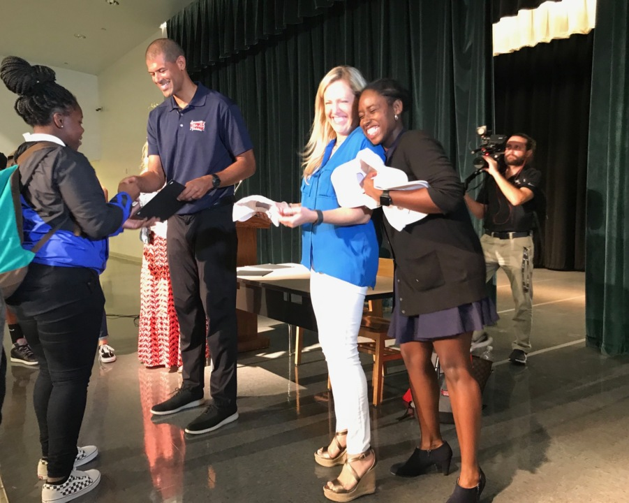 Heat's Shane Battier surprises 17 Miami Central students with college scholarships