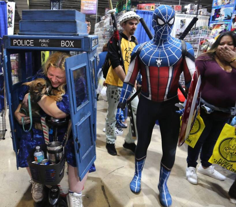 Thousands of self-proclaimed comic-book nerds gather in Miami, and no one gets killed