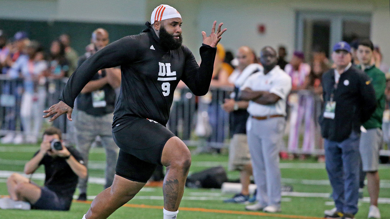online retailer a2363 f0c07 2019 NFL Draft: Miami DT Gerald Willis signs with Ravens as ...