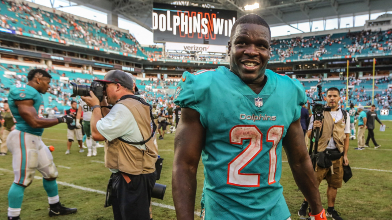 hot sale online 33d71 748c5 Dolphins RB Frank Gore sixth all-time in NFL scrimmage yards ...