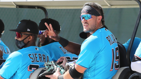 """Marlins manager Don Mattingly on Miguel Rojas: """"I'm going to quit setting the bar on Miggy. Every time I set the bar, he gets better."""""""