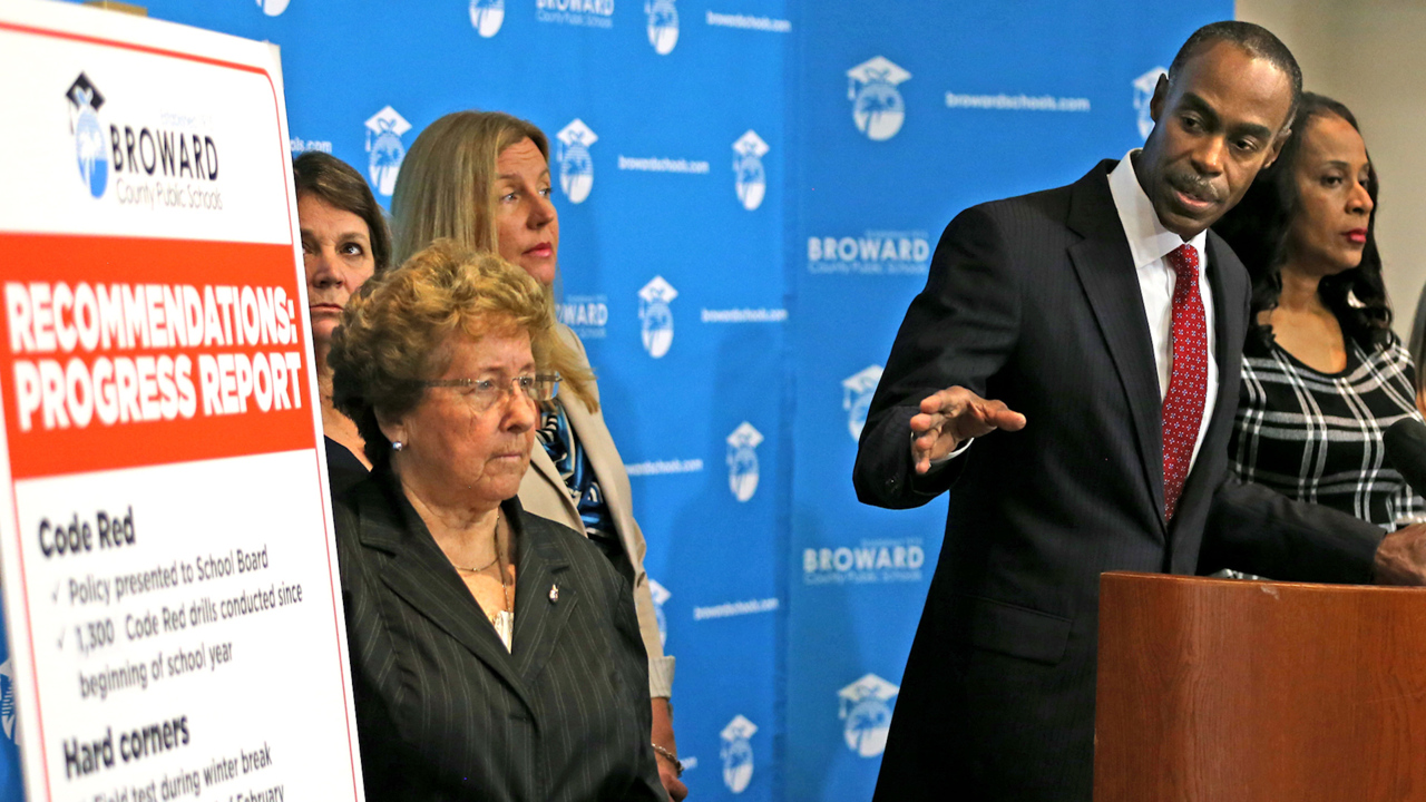 Grand jury calls out 'data manipulation' in Miami-Dade, Broward school districts