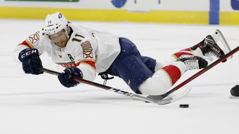 Panthers coach Quenneville and captain Barkov on the loss against the Carolina Hurricanes